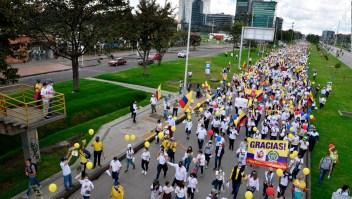 ¿Cómo continúa el diálogo en Colombia?
