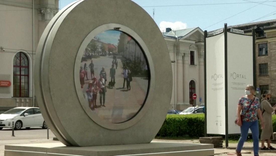 Escultura une a Lituania y Polonia