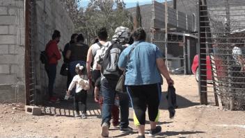 """Huyen """"en masa"""" por la violencia en Michoacán"""