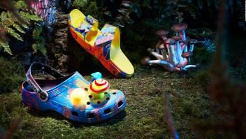 Mira las nuevas Crocs psicodélicas de Diplo