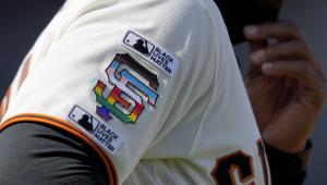 Equipos hacen historia al conmemorar el Mes del Orgullo
