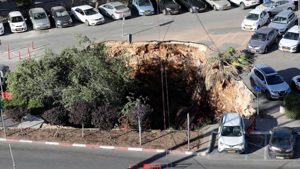 Colapsa estacionamiento en Jerusalén