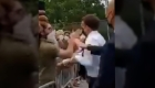 Video registra agresión a Emmanuel Macron