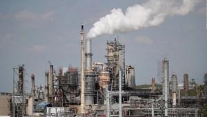 Petroleras están bajo presión para reducir CO2