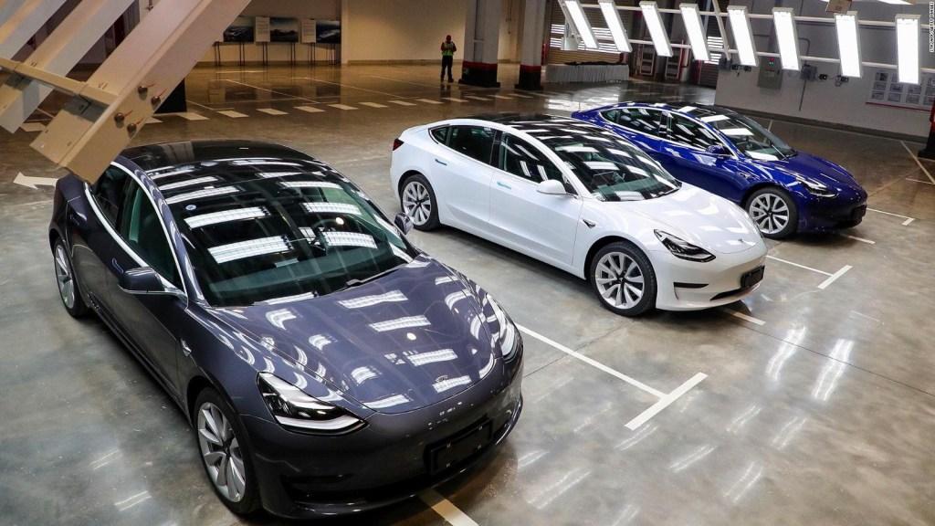 Tesla Model 3 pierde posición clave en ranking de autos