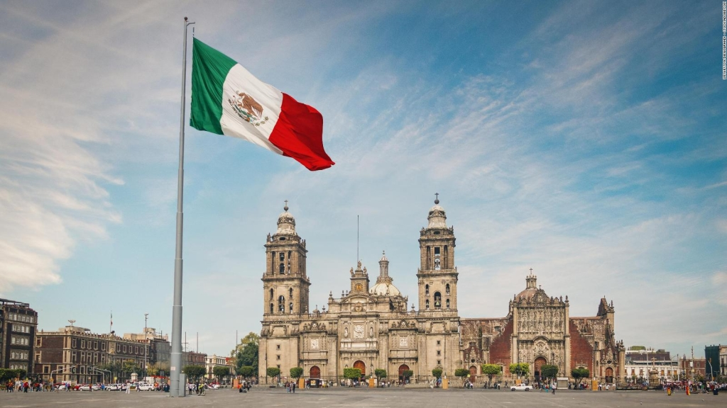 How can Mexico regain investor confidence?