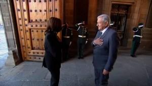 """""""Presidente Kabala, mucho gusto"""": el saludo de AMLO a Harris"""