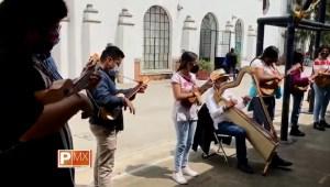 Orquesta de jóvenes lleva música a centros de vacunación