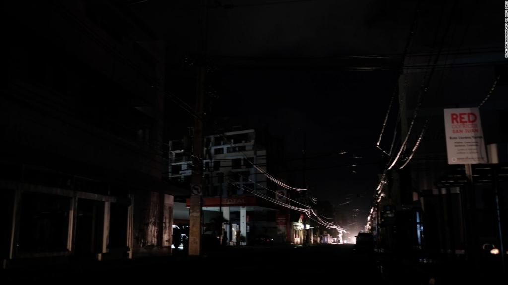 Un incendio causa un apagón masivo en Puerto Rico