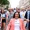 Kamala Harris participa en desfile del Orgullo gay