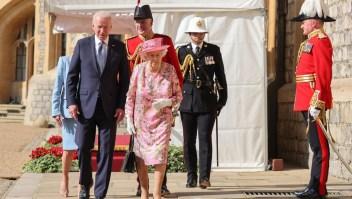La reina Isabel II recibe al presidente Biden