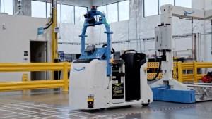Amazon desarrolla robots para sus centros de distribución