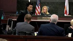 Acusado de matar a su esposa interroga a hijo de 11 años