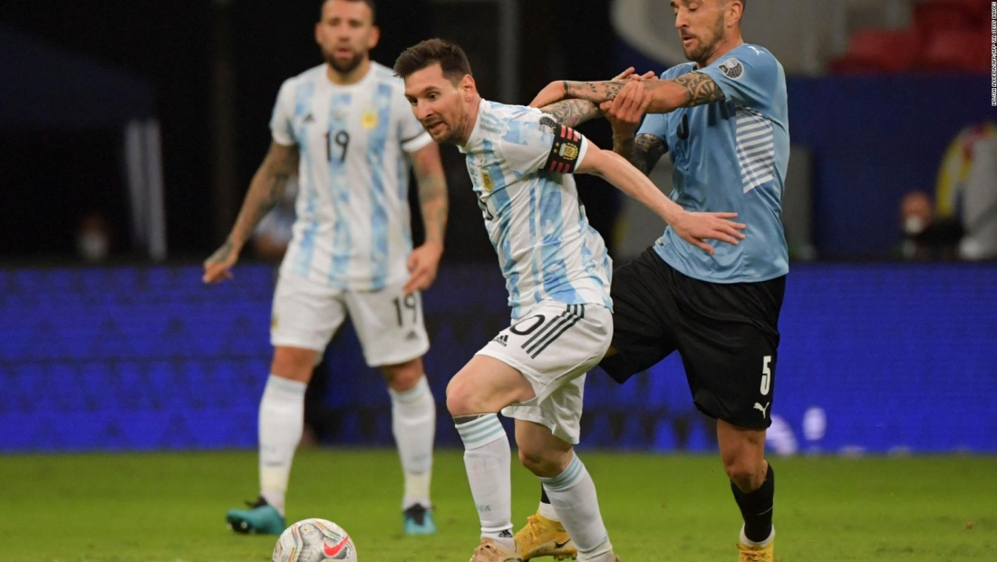 Argentina mostró sus virtudes colectivas ante Uruguay
