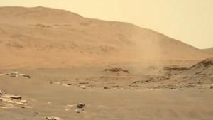 El róver Perseverance toma una semi panorámica de Marte