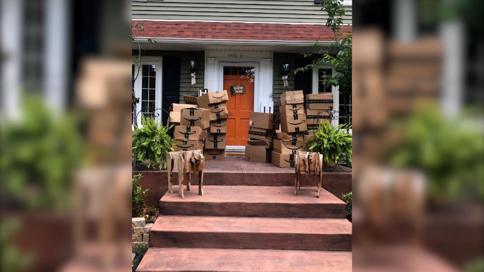 Una mujer recibió por error 150 paquetes de Amazon y luego hizo esto