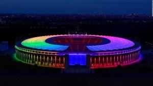 Estadios alemanes se pintan del arcoíris en la Euro 2020