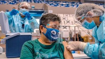 Vacuna o cárcel, advierte el presidente de Filipinas