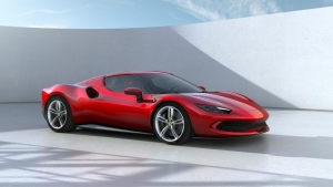 Ferrari lanza su nuevo auto superdeportivo