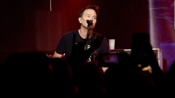 Vocalista de Blink-182 revela dura batalla contra el cáncer