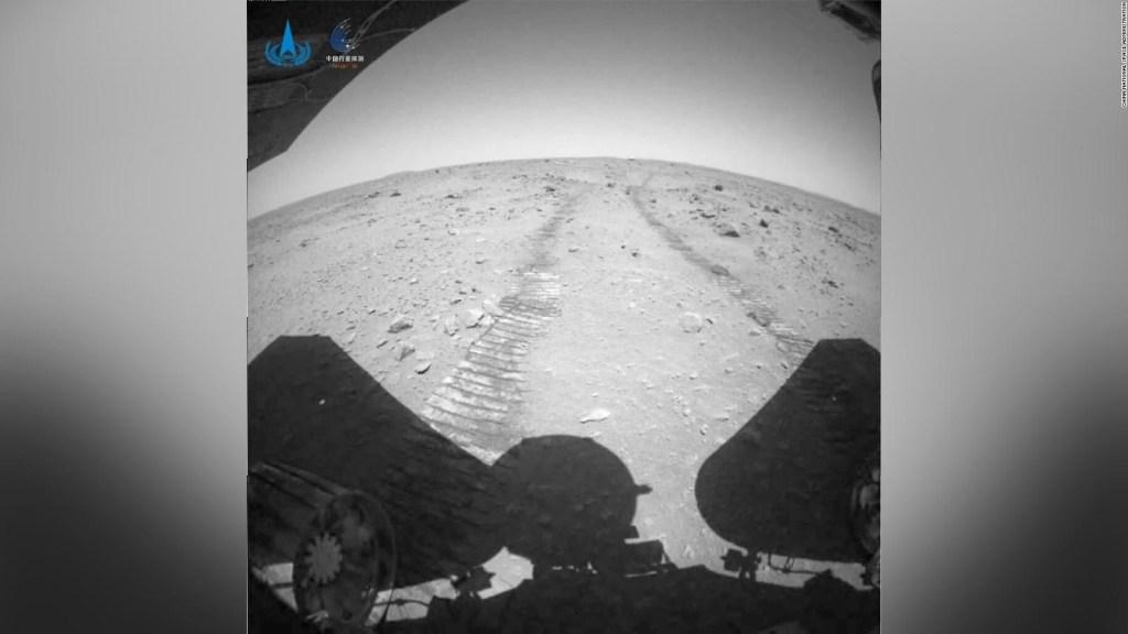 China divulga videos de su rover en Marte