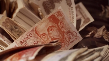¡Adiós pesetas! Vieja moneda española ya no tiene valor