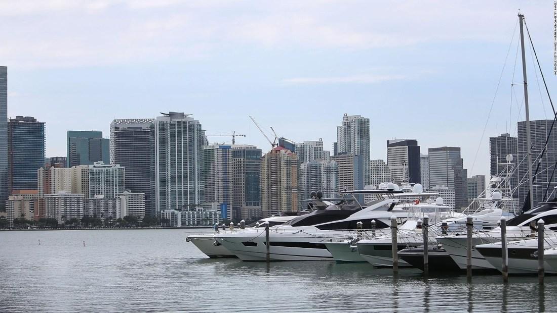 Miami Beach revisa más de 500 edificios