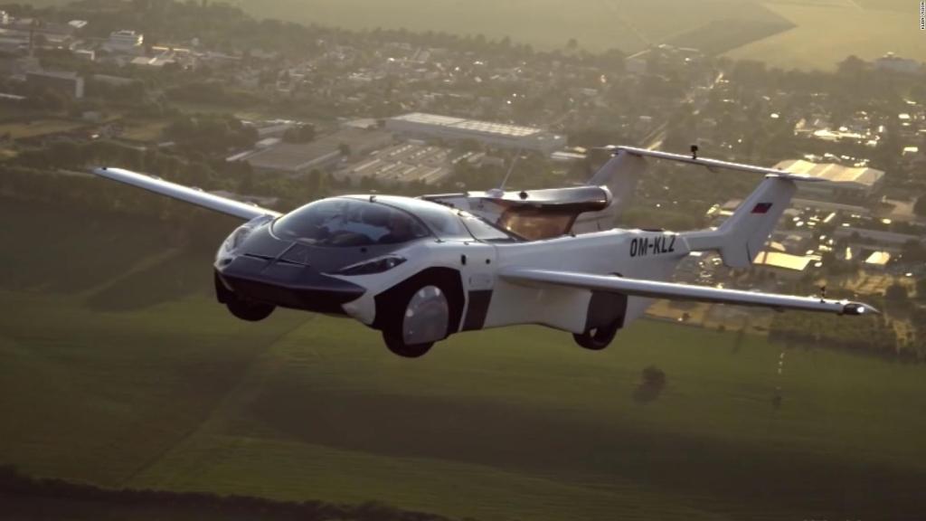 Este auto volador completa su primer vuelo entre ciudades
