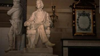 Aprueban quitar estatuas de confederados en el Capitolio