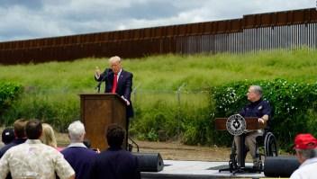 Trump visita Texas, donde prevén construir más muro