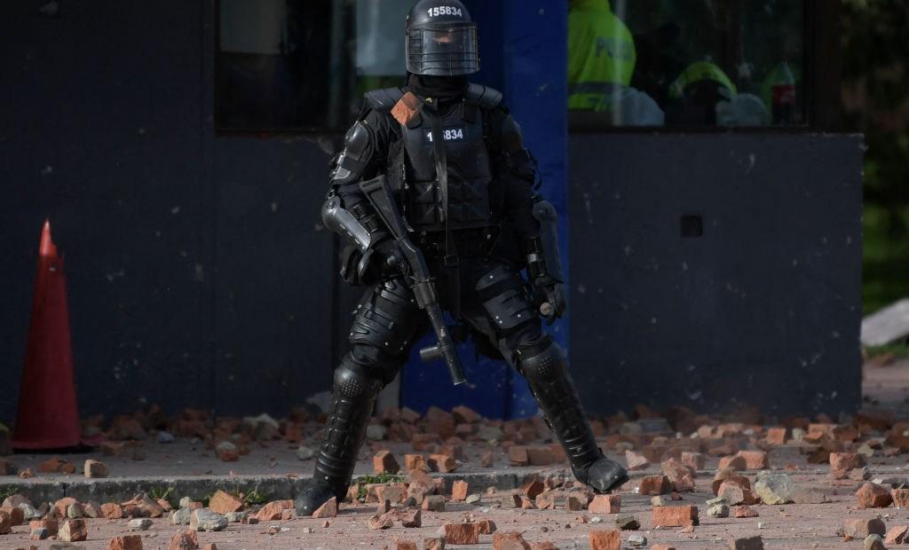 Protestas Colombia Policías separados de sus cargos