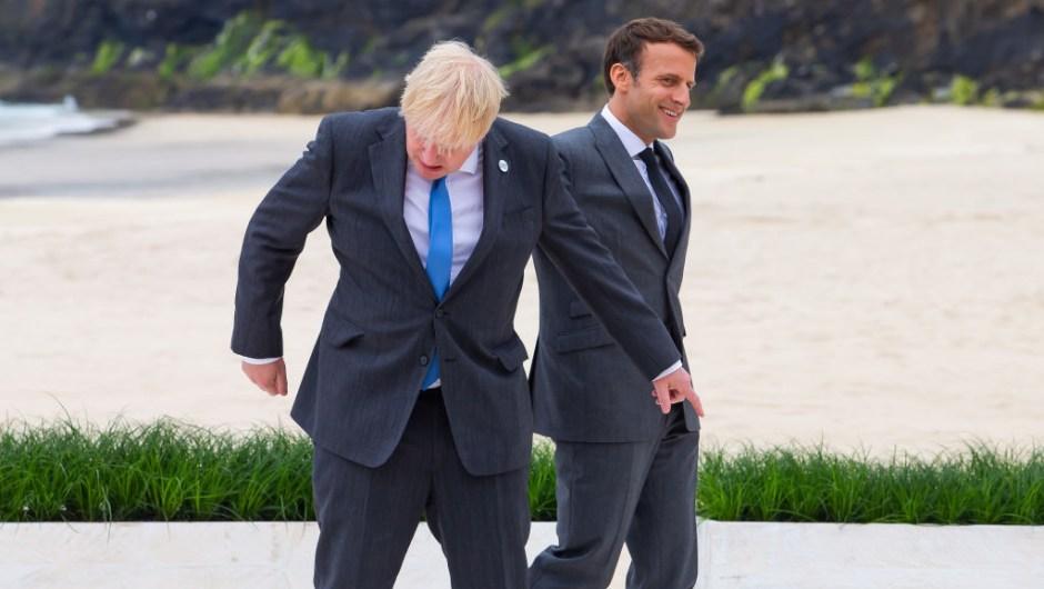 Johnson y Macron en el G7