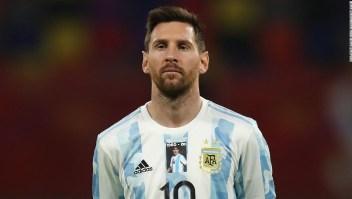 Lionel Messi y Argentina rinden homenaje a Diego Maradona en el primer partido desde la muerte de la leyenda