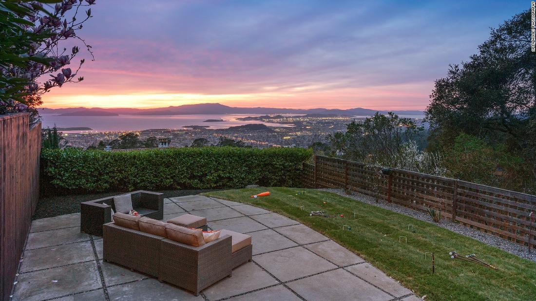 El mercado de la vivienda es tan atractivo que los compradores están pagando US$ 1 millón por encima del precio de venta