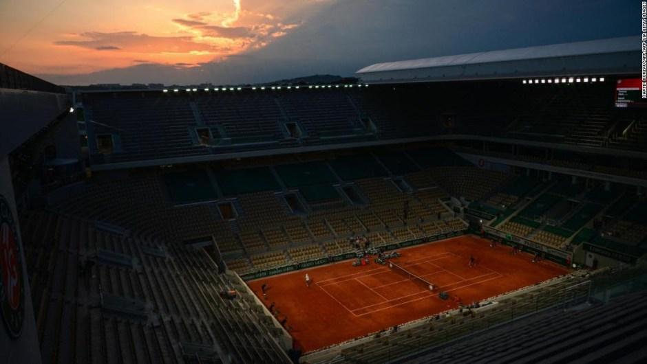 Dos tenistas en cuarentena tras dar positivo por covid-19 en el Abierto de Francia