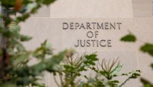 Departamento de Justicia Apple Comisión de Inteligencia Cámara Trump