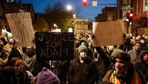 Se estima que 2.600 latinos fueron asesinados por la policía o bajo custodia en los últimos 6 años en EE.UU., según un informe preliminar