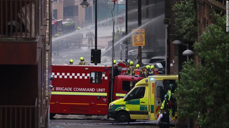 estación tren incendio Londres