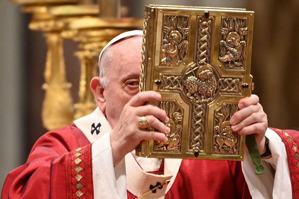 El Vaticano endurece leyes contra abuso sexual