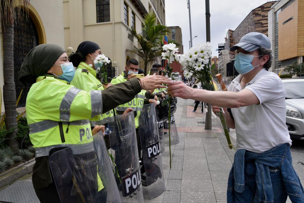 Claudia López dice que no habrá militarización en Bogotá