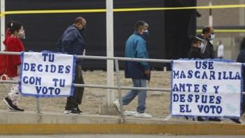 Perú vota en segunda vuelta a su próximo presidente entre fuertes medidas sanitarias por la pandemia