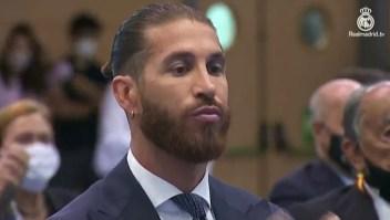 Aficionados al Real Madrid despiden a Sergio Ramos