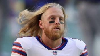 Jugador de la NFL dice que preferiría retirarse antes que recibir la vacuna para covid-19