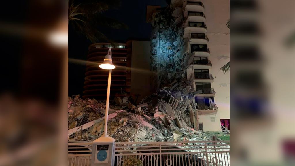 Más de 80 dotaciones de bomberos responden al colapso de un edificio en Miami Beach