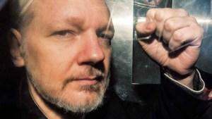 Le retiran nacionalidad ecuatoriana a Julian Assange