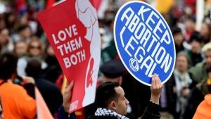 Congresistas republicanos atacan el derecho al aborto