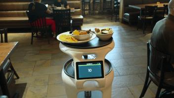 CEO de restaurante: Robots como ayuda, no como sustituto