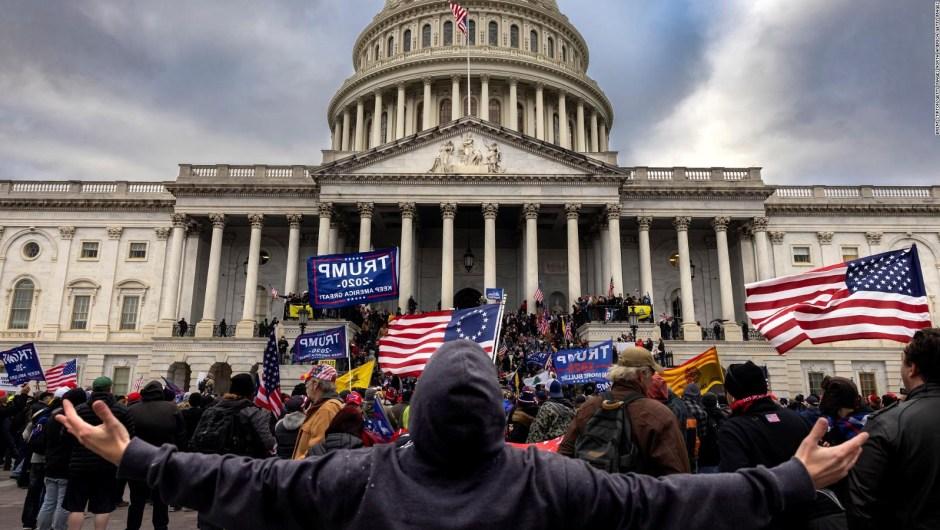 Megyn Kelly: medios exageraron sobre asalto al Capitolio