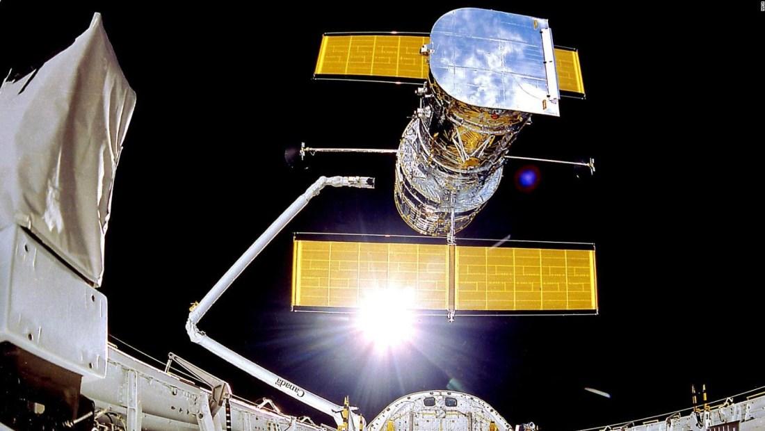 Telescopio Hubble da señales de avance en su reparación