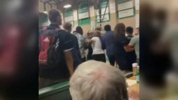 Quitan título a equipo de secundaria por acto racista